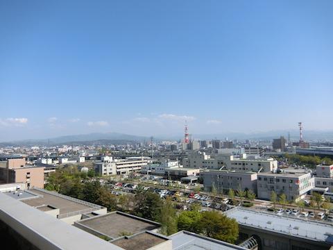 病院の屋上へ行きました