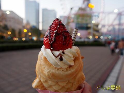 いちごチョコ生クリームの 鯛パフェ(一番人気)